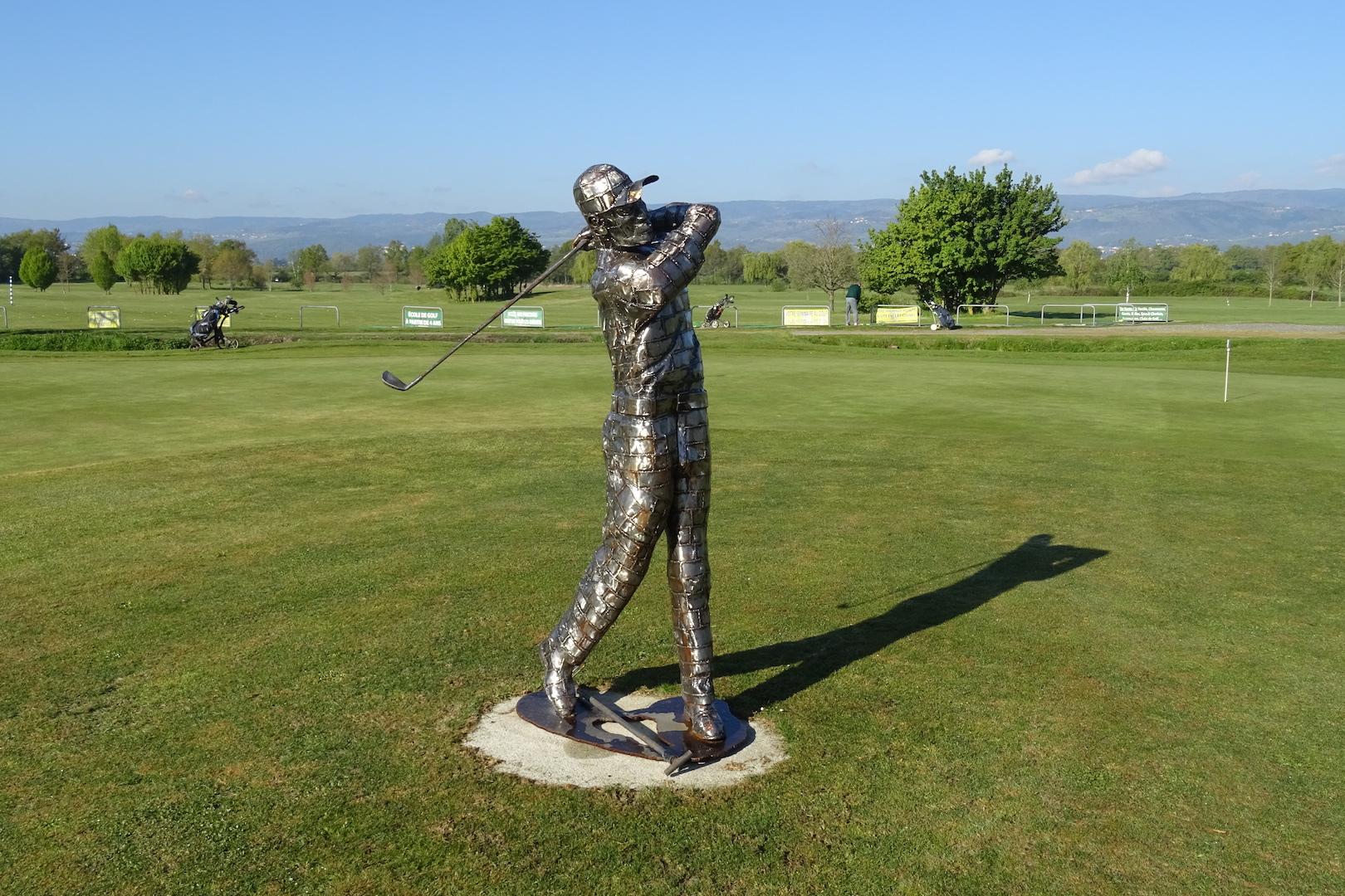 Le golfeur inox des Etangs