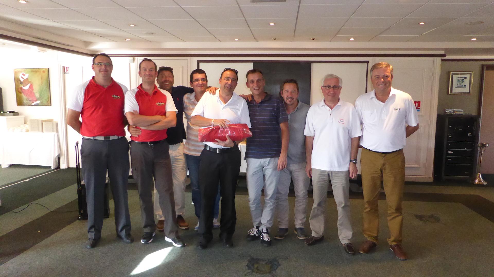 L'équipe CORPS, 12ème (à droite, Pascal Baron, Golf Entreprise R/A)
