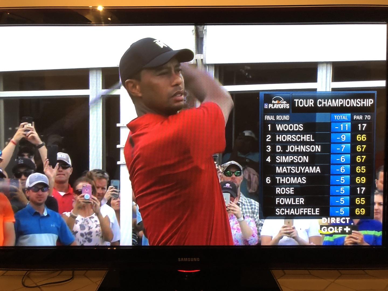 Tiger au départ du n°18 devant le classement du TC