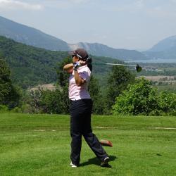 Daliny Sigaud, de l'équipe HP; au loin, le lac d'Annecy