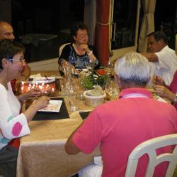 Sous les bougies, de délicieuses griottes du Nord-Isère