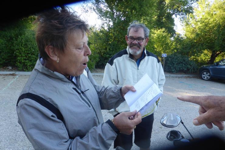 Martine et roland revisent leurs notes