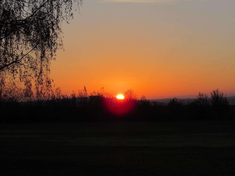 Lever de soleil sur le Verger