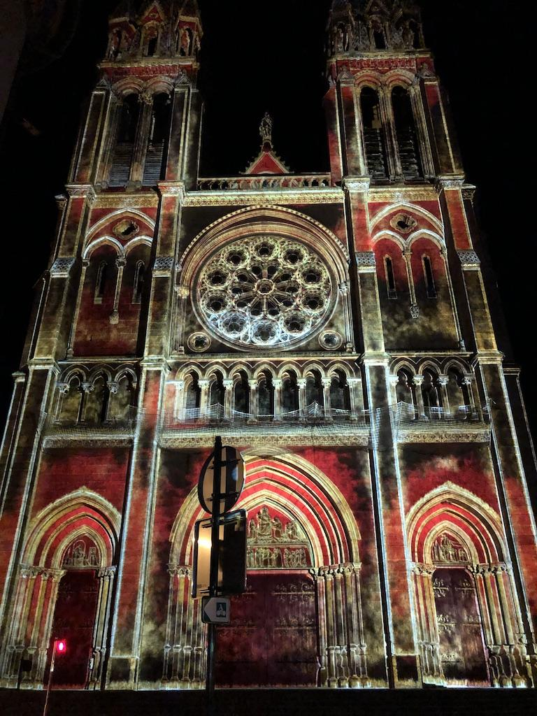 Moulins, lumières sur l'Eglise du Sacré-Coeur
